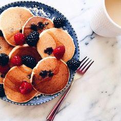pancakes + fruit
