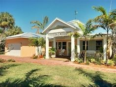 Pelican Landing - Gorgeous 3B* Island Pool Home - Close to Beach