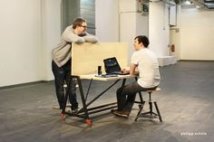 CW3 - FLEXIBLE DESK MADE FOR COWORKING-SPACES /// table / desk / tisch / furniture / design / produktdesign / coworking space / flexible / white board / rolls / wheels / steel / wood / start up / krefeld / philipp schuetz