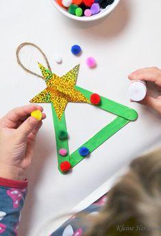 Oh Tannenbaum – Tannenbaum mit Kindern basteln – 3 einfache DIY-Ideen - How To Make Things Winter Crafts For Kids, Diy For Kids, Summer Crafts, Yarn Crafts, Diy Crafts, Papier Diy, Xmas Theme, How To Make Christmas Tree, Christmas Diy