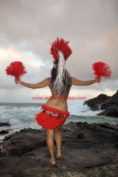 Hula is a dance form accompanied by chant or song. It was developed in the Hawaiian Islands by the Polynesians who originally settled there. Hawaiian Hula Dance, Hawaii Hula, Hawaiian Dancers, Hawaiian Art, Polynesian Dance, Polynesian Islands, Polynesian Culture, Hawaiian Islands, Paradis Tropical