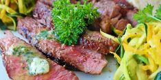 Cooking Beef steak is too good, too easy to make - Yummy Food channel Dieta Atkins, Best Crockpot Recipes, Beef Recipes, Healthy Recipes, Healthy Foods, Iron Rich Foods List, Best Carne Asada Recipe, Steak Appetizers, Kinds Of Steak