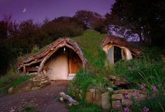 "How to solve the housing problem for just 5000 dollars? Simon Dale, a guy from Wales, knows the answer. He decided not to pay his rent, not to deal with bank loans, and built his own ""Hobbit House"", in the woods on a hillside, as in the movie ""Lord of the Rings"". It was built by himself and his father in law with help from passers by and visiting friends. After four months of hard work, they finally moved in."