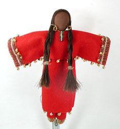 Native American Doll Oglala Lakota No Face Indian Dolls by Diane Tells His Name Pine Ridge South Dakota Native American Dolls, Native American Artwork, Native American Crafts, Native American Beading, Native American Fashion, Native American Indians, Native Americans, Pine Ridge South Dakota, Art Dolls