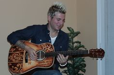 Mike Gossin (Gloriana) and his hand painted Custom Lichty Guitar - artwork by Clark Hipolito