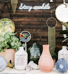 Boho-Jungalow in San Luis Obispo: This Wedding is OH so Dreamy! Escort display with layers of potted plants, terra cotta vases, glass vessels, agate slices, and various mirrors. Mirror Seating Chart, Seating Charts, Seating Chart Wedding, Wedding Table Numbers, Wedding Tables, Verde Greenery, Table Seating, Seating Plans, Reception Seating