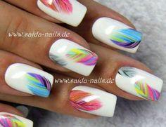 """Sticker """"Bunte Feder"""" - Saida Nails - Ihr Shop für professionelle Naildesigns"""