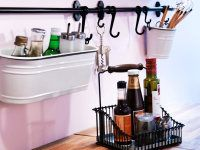 Declutter the a bar counter with a bar and hooks