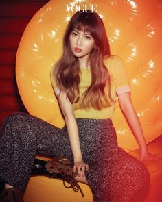 HyunA hypnotizes fans with her beauty in 'Vogue' http://www.allkpop.com/article/2017/02/hyuna-hypnotizes-fans-with-her-beauty-in-vogue