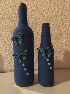 barbante azul na garrafa de vidro