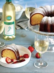 Moscato Wine Cake. Oh wow.