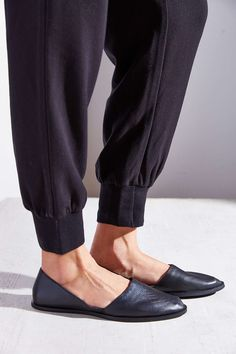 simple black flats - urban outfitters