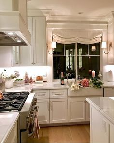 To improve the interior of your home, you may want to consider doing a kitchen remodeling project. This is the room in your home where the family tends to spend the most time together. If you have not upgraded your kitchen since you purchased the home,. Home Decor Kitchen, Beautiful Kitchens, Affordable Farmhouse Kitchen, Kitchen Room, Kitchen Decor, Elegant Kitchens, Home Kitchens, Kitchen Renovation, Kitchen Design