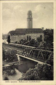 Rathaus Spandau u.die alte Eisenbahnbruecke in den 30ern