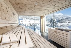 wood sauna with sky view Saunas, Norway House, Swiss House, Sauna House, Hudson Homes, Outdoor Sauna, Sauna Design, Finnish Sauna, Home Spa