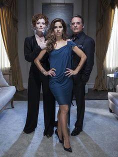 Devious Maids - Evelyn Powell (Rebecca Wisocky), Adrian Powell (Tom Irwin), Marisol Duarte (Ana Ortiz)