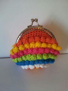 Monedero a crochet de boquilla