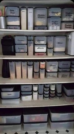 Kitchen Cupboard Organization, Kitchen Storage Hacks, Kitchen Organization Pantry, Home Organisation, Kitchen Pantry, Life Organization, Organized Pantry, Kitchen Tools, Food Storage