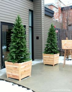 Build your own exterior cedar planters for your next event, front entry space or patio. Get the free plans over at The Home Depot blog for DIY cedar wood planters.