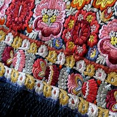 Hungarian Mezőkövesd Embroidery Hungarian Embroidery, Folk Embroidery, Learn Embroidery, Silk Ribbon Embroidery, Floral Embroidery, Chain Stitch Embroidery, Embroidery Stitches, Embroidery Patterns, Stitch Head
