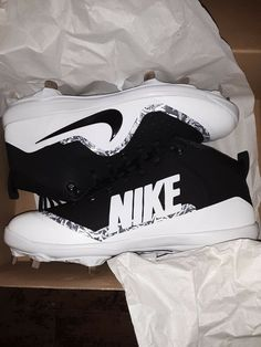 watch 3ab13 bcd39 Nike Men s Force Air Trout 4 Pro Baseball Cleat Black White Wolf Grey Size