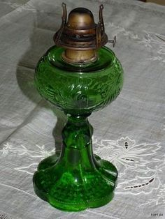 Teardrop Plume Oil Lamp Queen Anne Burner Emerald Green Glass