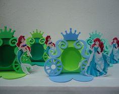 Porta Bombom Ariel Carruagem Fimo Clay, Ariel, Crochet Top, Diy Crafts, Templates, Box, Party, Gifts, Chocolates