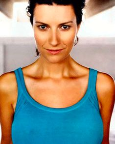 Picture of Laura Pausini Cellulite, Personal Trainer, Bra, Pictures, Singers, Medicine, Metabolism, Weights, Beautiful Women