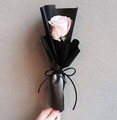 41 Ideas Flowers Bucket Ideas Plants plants flowers is part of Flowers - Felt Flowers, Diy Flowers, Paper Flowers, Beautiful Flowers, Flowers Bucket, Arte Floral, Single Flower Bouquet, Bouquet Wrap, How To Wrap Flowers