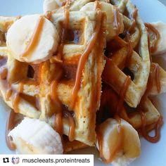 Start the week off right get those goals back on track with some @muscleegg waffles  Thanks to @muscleeats.proteintreats  #repost #recipe  Protein waffles it is...bananas foster protein waffles.  Made with a scoop of @biohealthpro precision blend vanilla protein powder 1 packet @devotionnutrition bananas foster flex flavor  3 tbsp vanilla @muscleegg a pinch of baking powder and 3 tbsp vanilla @califiafarms almond milk.  Topped with bananas and sugar free caramel and sugar free syrup…