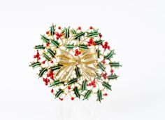 Weiss Christmas Brooch Christmas Wreath Christmas by VintageGemz