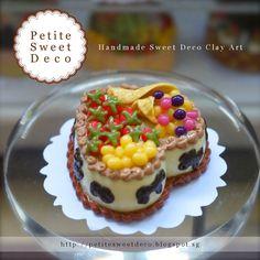 Miniatura Imán blanco Pastel de frutas Chocolate - en forma de corazón - Faux Alimentos - Miniatura Dollhouse - Petite dulce de Deco