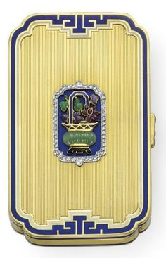 a-harlots-progress:    Cartier Art Deco Vanity Case - 1925