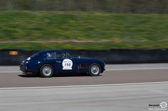 #Aston_Martin #DB2 sur le #TourAuto2016 à #Dijon_Prenois. Reportage : http://newsdanciennes.com/2016/04/20/tour-auto-2016de-passage-a-dijon-prenois-on-y-etait/ #ClassicCar #VoituresAnciennes #VintageCar #CarbusetPharesJaunes