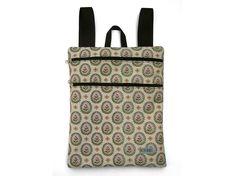 BIOTA.BAGS con preciosos diseños de mochilas, bolsos, accesorios y complementos artesanales exclusivos hechos a mano. Un placer tenerlos entre nosotros. Os dejo el enlace, os encantará. http://www.divinasconjudit.com/brand/27/biotabags