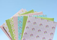 adorable Spring Note Cards and Place Cards. from Delightful Distractions - maybe recipe cards? Note Card Template, Merry Mail, Doodle Borders, Paper Games, Book Markers, Crafty Projects, Recipe Cards, Sticker Paper, Note Cards
