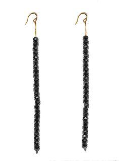 Oorbellen | hangend | kralen | antraciet | Pearls and Buttons