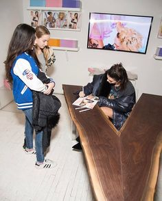 @kendalljenner meeting her fans!  See more photos from yesterday's signing and after-party in the link in our bio  Custom table designed by @brianshimansky  @thestewartofny #VxKendall  via V MAGAZINE OFFICIAL INSTAGRAM - Celebrity  Fashion  Haute Couture  Advertising  Culture  Beauty  Editorial Photography  Magazine Covers  Supermodels  Runway Models
