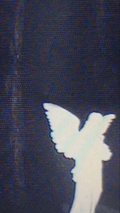 #<3 #Ęli Angel Aesthetic, White Aesthetic, Aesthetic Grunge, Aesthetic Photo, Aesthetic Art, Aesthetic Pictures, Goth Wallpaper, Aesthetic Iphone Wallpaper, Aesthetic Wallpapers