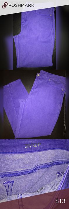 Purple JCPenny Jeans 💜 Purchased from JCPenny. Purple jeans. Very comfortable! Size 31 / 12P. 💜 jcpenney Jeans Ankle & Cropped