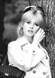 Brigitte Bardot I wish I looked like her! * beautiful*