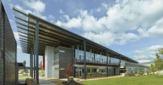 This new headquarters of a family owned, statewide Caterpillar (CAT) representative replaces a 50-year-old building with a new energy efficient, light filled...