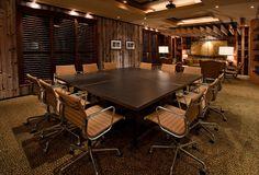 Realiza tus reuniones de trabajo en las salas de juntas exclusivas