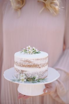 Pretty Pastel Easter Brunch Ideas Mini naked cake for spring Pretty Cakes, Beautiful Cakes, First Birthday Brunch, Birthday Cake, Bolos Naked Cake, Nake Cake, Wedding Cake Centerpieces, Fresh Flower Cake, Fresh Flowers