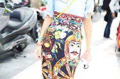 Dolce & Gabbana skirt with a simple shirt www.alidifirenze.fr