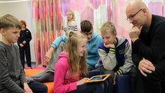 Koulujen teknologiset valmiudet vaihtelevat – ohjelmointia opetetaan post it -lapuilla