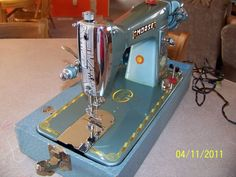 Google Image Result for http://www.quiltingboard.com/attachments/vintage-antique-machine-enthusiasts-f22/350274d1342790512-morse-15-clone-front-face.jpg