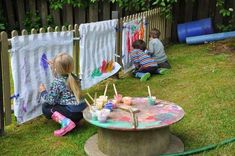 Creative Area Ideas for Early Years - The reason why I chose this picture is because it is a creative art area Idea for outside play. Outdoor Learning Spaces, Outdoor Play Areas, Outdoor Education, Outdoor Art, Outdoor Rooms, Outdoor Living, Eyfs Classroom, Outdoor Classroom, Outdoor School