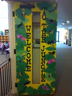 Welcome to the jungle! A terrific jungle themed classroom door to welcome students into the preschool or kindergarten jungle! Jungle Classroom Door, Jungle Bulletin Boards, Jungle Door, Rainforest Classroom, Rainforest Theme, Preschool Classroom, Kindergarten, Primary Classroom, Welcome Door Classroom
