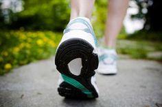 ¿Sabías que caminar es un gran hábito que puedes incorporar en tu vida? Descubre sus beneficios para mantenerte en forma y mejorar la salud.